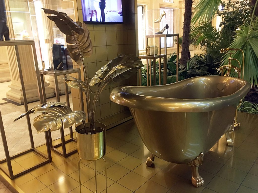 Jimmy Choo Bathtub installation