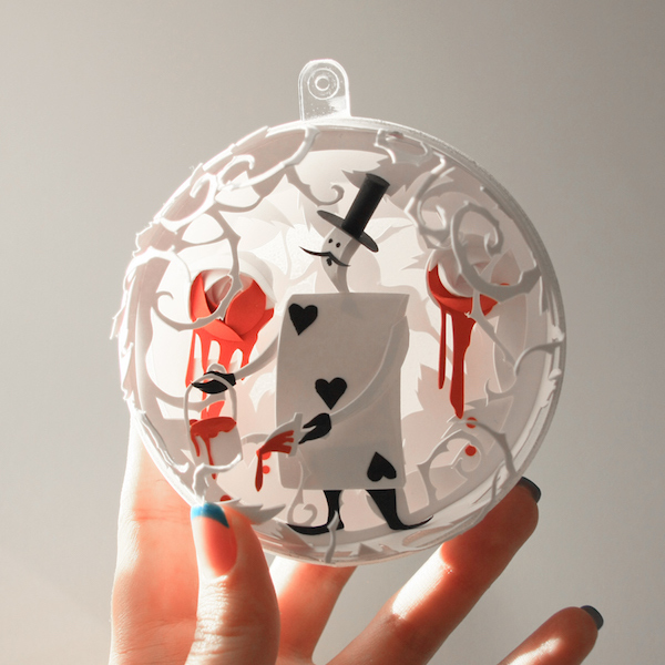 Alice-In-Wonderland-bauble-2