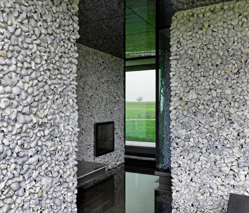 Flint-House-by-Skene-Catling-de-la-Pena--