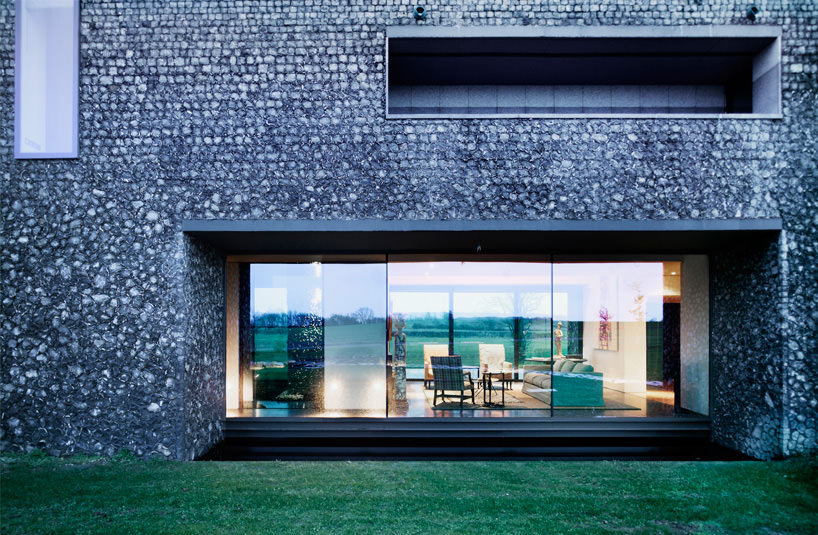 Flint-House-by-Skene-Catling-de-la-Pena-4-exterior