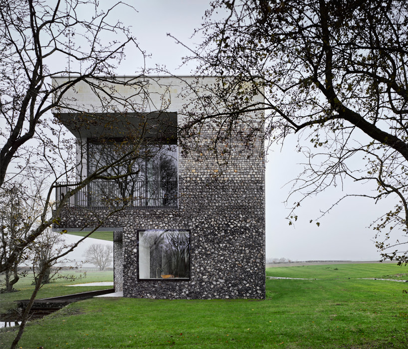 Flint-House-with-Bandin-of-Exterior-Stone-Cladding