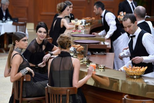karl-lagerfeld-chanel-grand-palais-paris-cafe-02