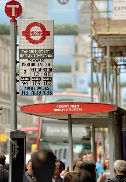 lego-bus-stop-0