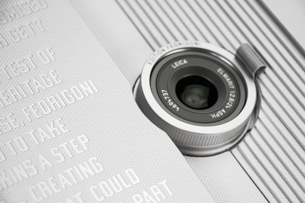 leica-the-paper-skin10