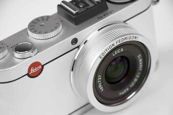 leica-the-paper-skin15