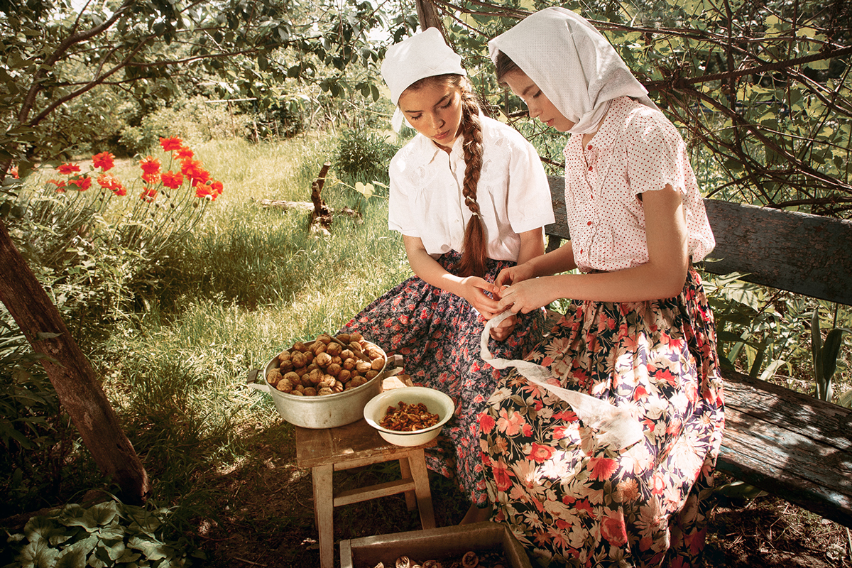 veronica-orlova-in-the-village-4