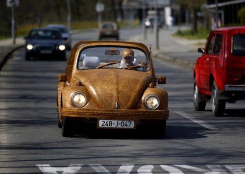 wooden-volkswagen-beetle-0